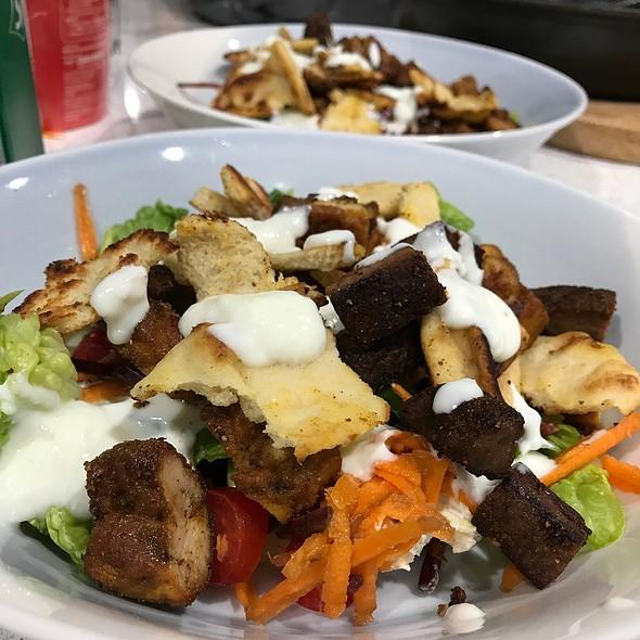 Leftovers Salad @ Chookys