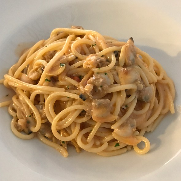 Homemade Pasta With Fresh Clams And Sea Urchin