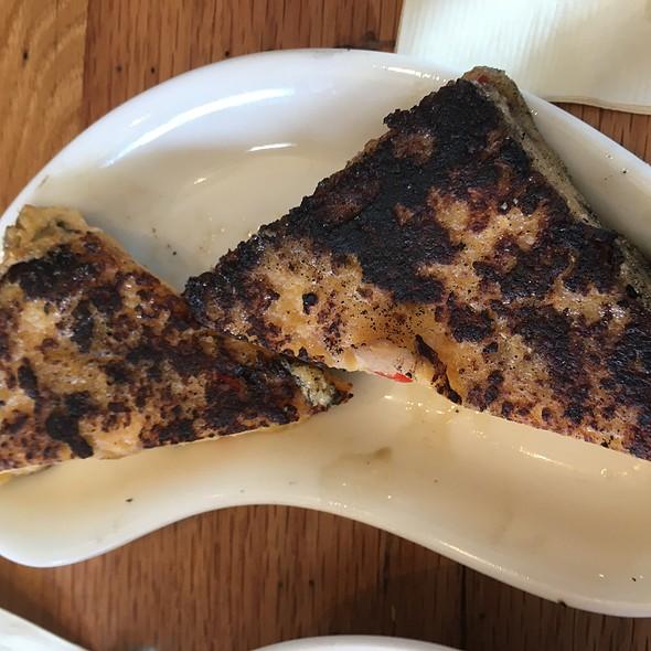 Jalapeño Cheddar Grit Cake