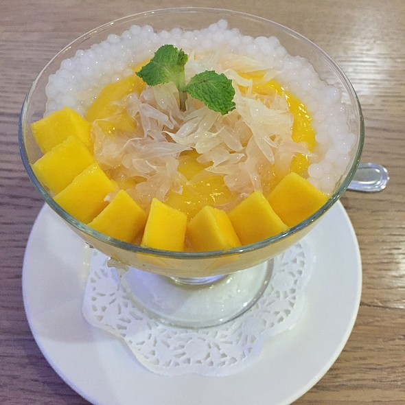 Mango Pudding With Pamelo And Sago