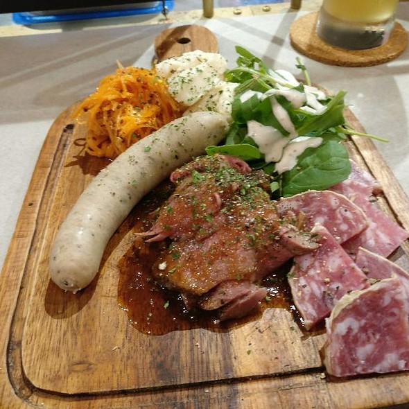 肉盛り合わせ @ PRIMORDIAL CAFE&CRAFT BEER