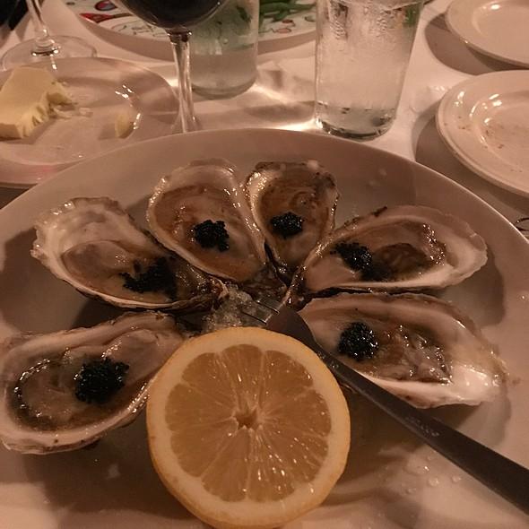 Oysters @ Kiki's Bistro