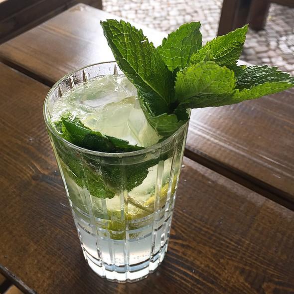 Lime & Mint Lemonade