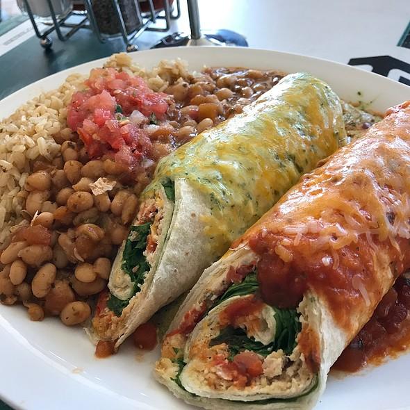 Baja Ladas @ Wahoo's Fish Taco
