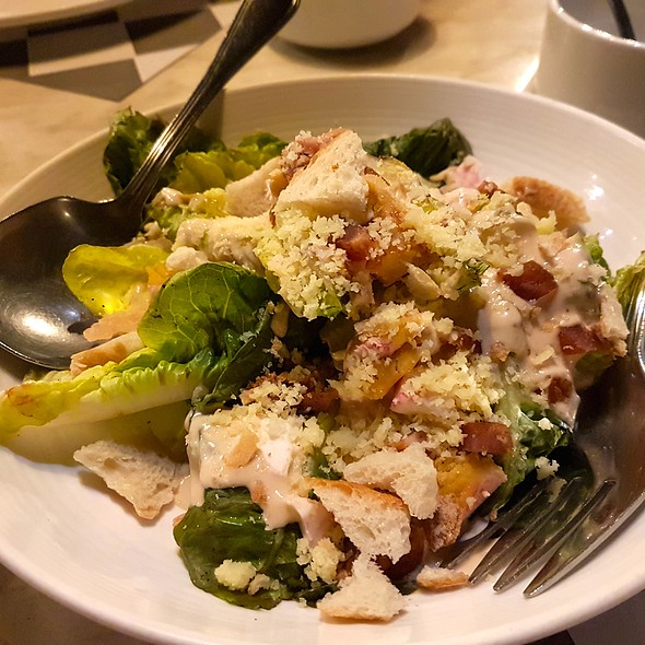 Grilled Caesar Salad @ LoLa Cafe+Bar