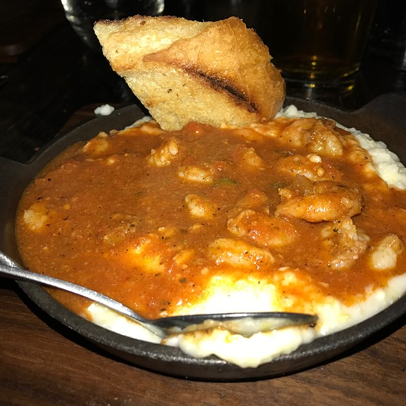 Shrimp and Grits @ Bosscat Kitchen And Libations