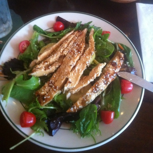 Asian Sesame Chicken Salad @ Fanelli's Cafe