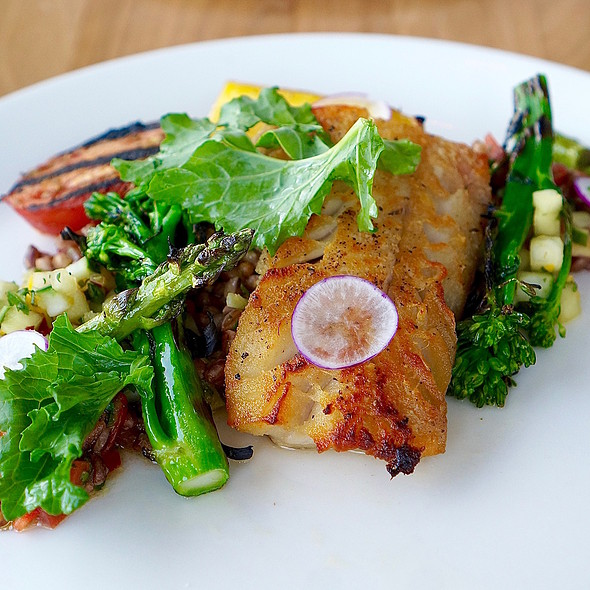 Seared pollock, farro tabbouleh, asparagus, grilled tomato, golden carrot, broccolini