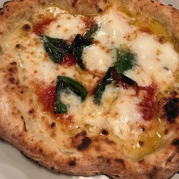 Margherita Pizza @ 聖林館
