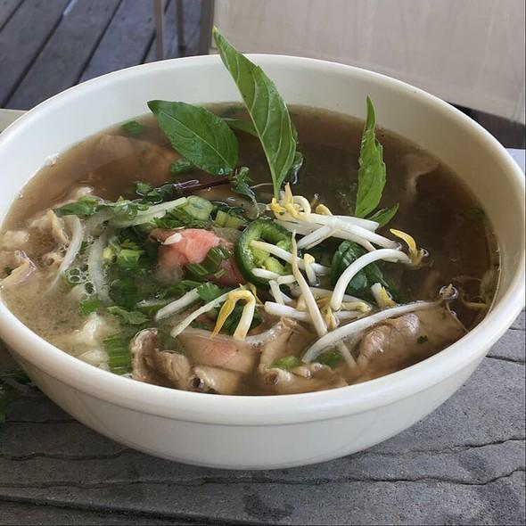 Pho Tai Nam Gau