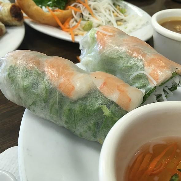 Fresh Roll With Shrimp