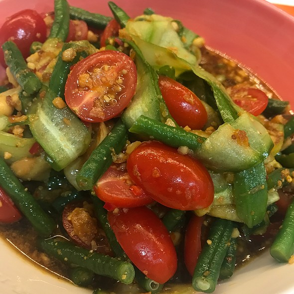 Snake Bean Salad @ Chookys