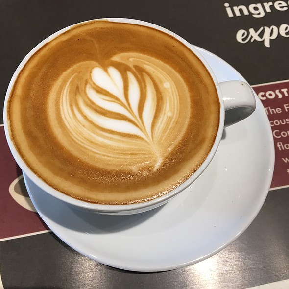 Flat White @ COSTA COFFEE