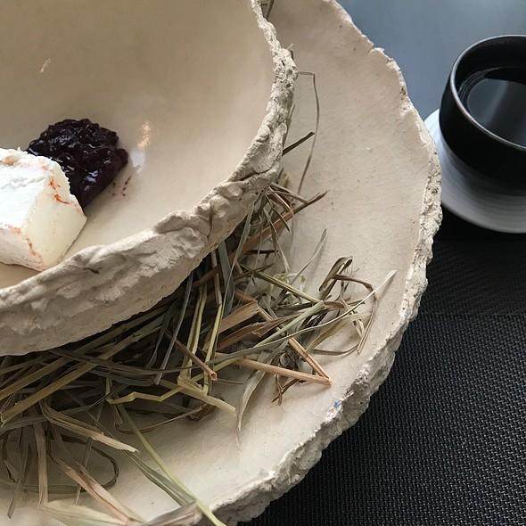 Capriole Piper's Pyramides, Blueberry, Mushroom Maple Tea