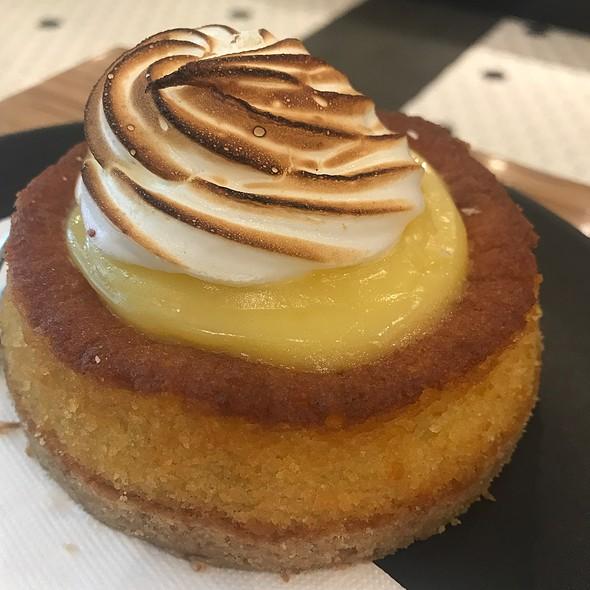 Lemon Meringue Cake @ Greenwood And Harvey
