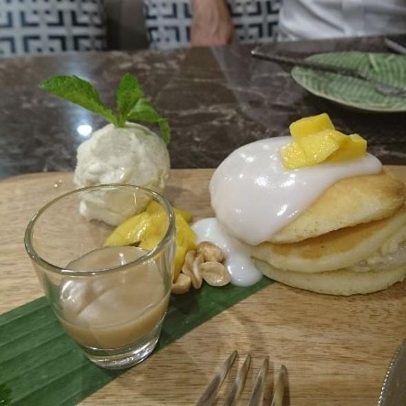 Thai Tea Pancake