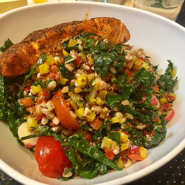 Quinoa, Farro, Kale, Radish, Tomato, And Bell Pepper Salmon With Blackened Salmon