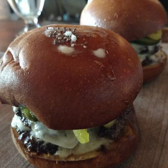$5 Burger @ Fourquarter