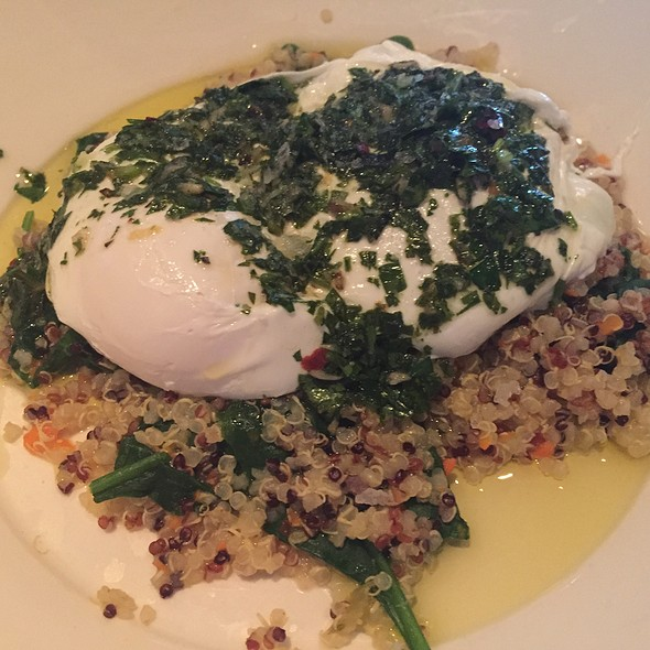 Poached Eggs With Quinoa