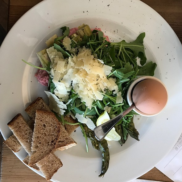 Asparagus With A Soft-Boiled Egg And Ruccola @ Pain Quotidien (Le)