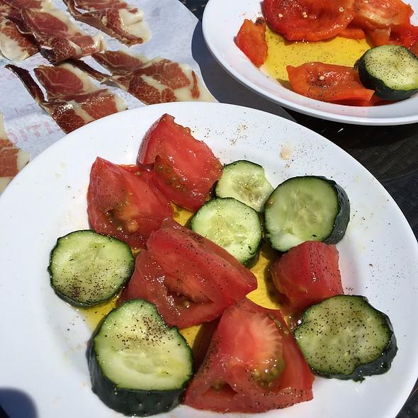 Salad @ Hotel Metrokua