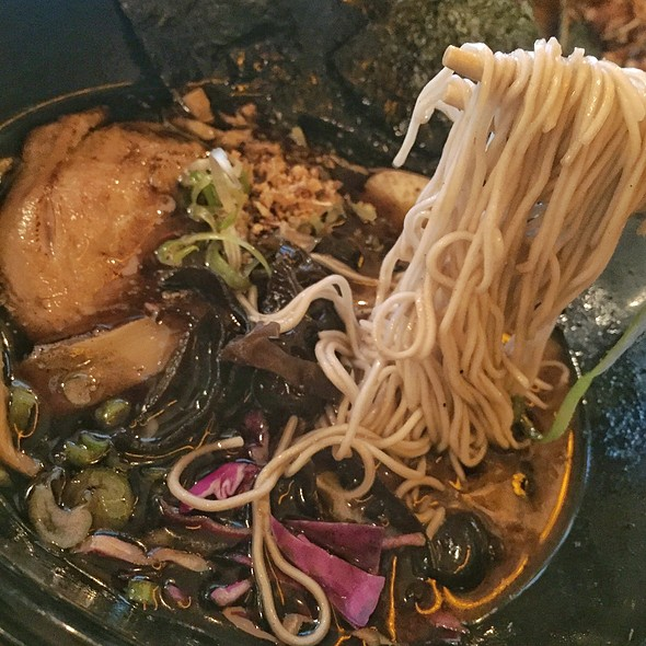 Garlic Black Bean Ramen @ Ramen Fun
