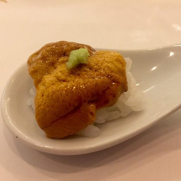 Santa Barbara Uni (Sea Urchin) Over Sushi Rice