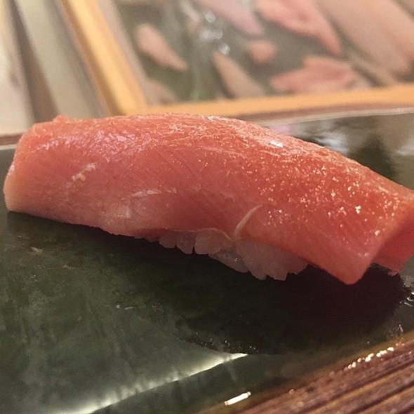 Japanese Bluefin Wakaremi (Chutor) Nigiri