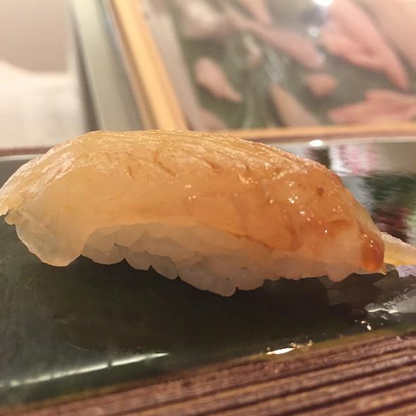 Japanese Meichi Tai (Oneline Head) Nigiri