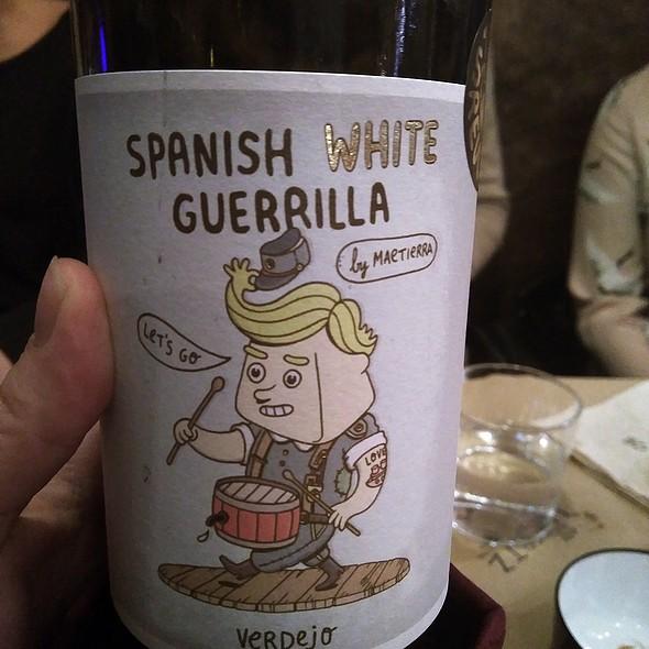 Spanish White Guerrilla @ Lupertz
