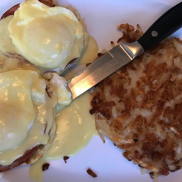 Eggs Benidict