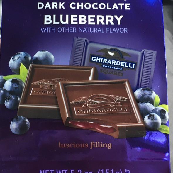 Ghirardelli Dark Chocolate Blueberry