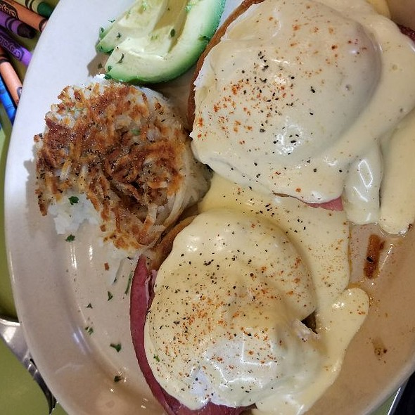 Ham Eggs Benedict @ Snooze An AM Eatery