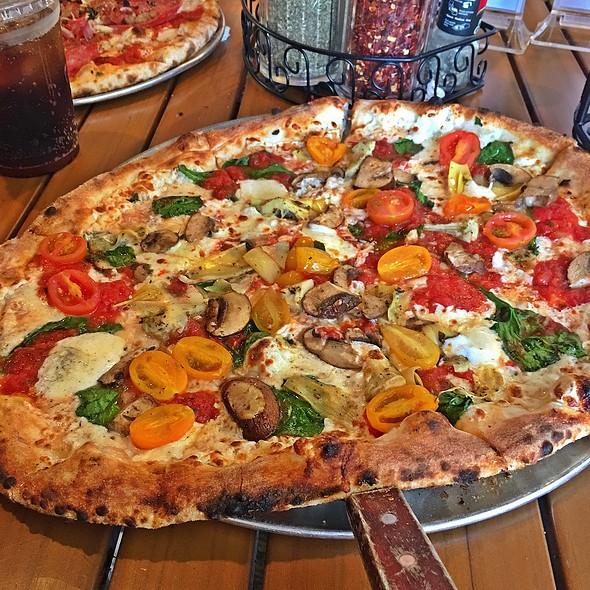 Veggie Pizza @ V Pizza