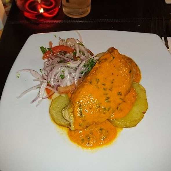Corvina En Salsa Sazon Peruano