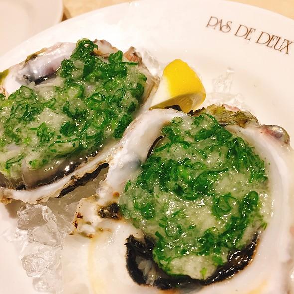 Rock Oyster 岩牡蠣 @ Pas De Deux パ・ド・ドゥ