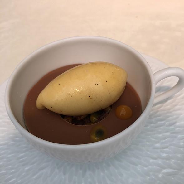 Milk Chocolate & Earl Gray Crumble With Banana & Passion Fruit Sorbet