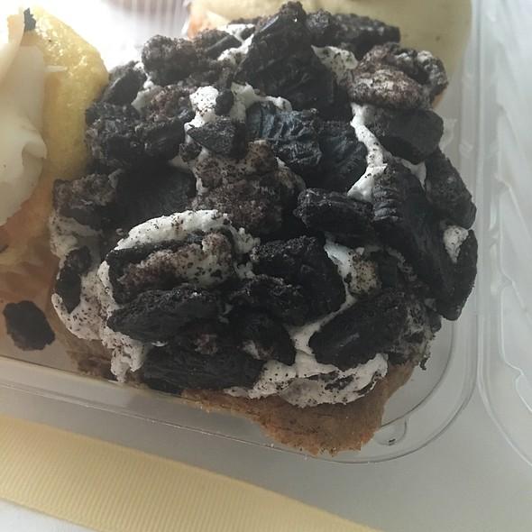 Double Stuf Oreo Cupcake