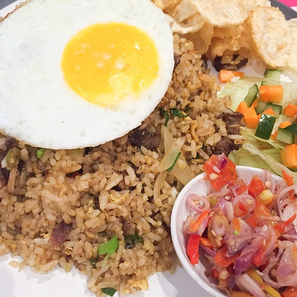 Oxtail Fried Rice @ Lewis & Carroll