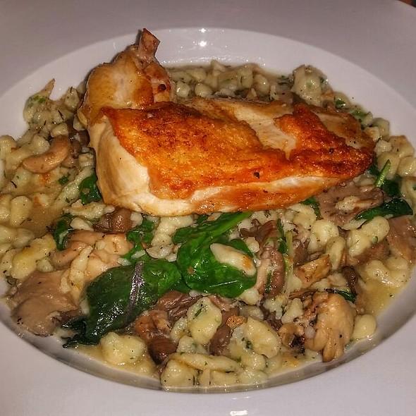 Pan Seared Chicken @ Tinderbox Kitchen