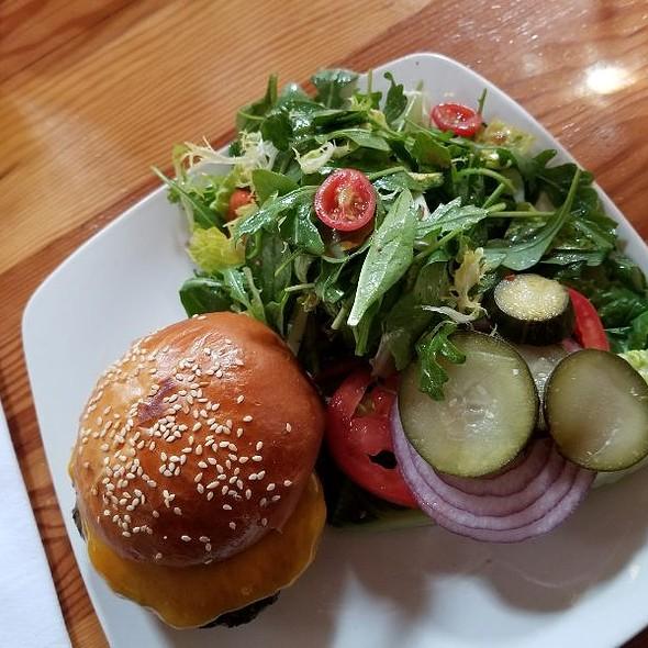 Burger @ Sunset Reservoir Brewing Company