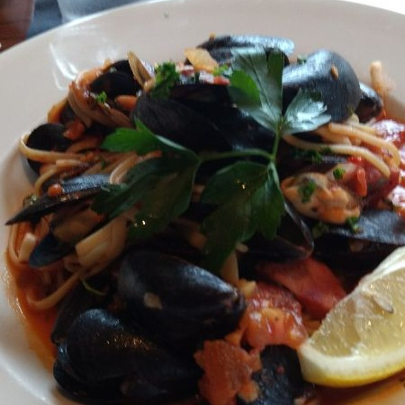 Linguine With Mussels @ Pier 77 Restaurant