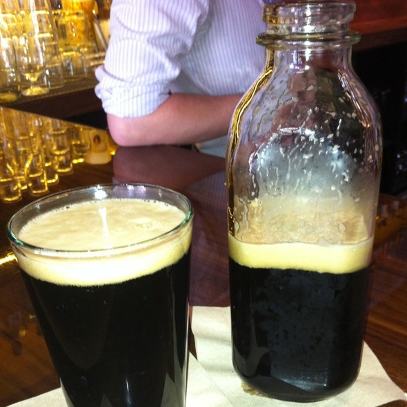 Stock Porter Sharing Bottle @ city tavern
