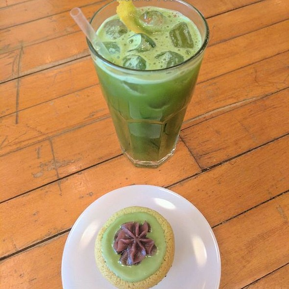 Green Tea Matcha Cupcake @ Macha Tea Company