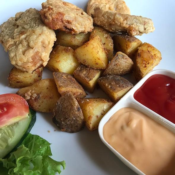 Fish & Chips @ Kubuku Ecolodge & Resto