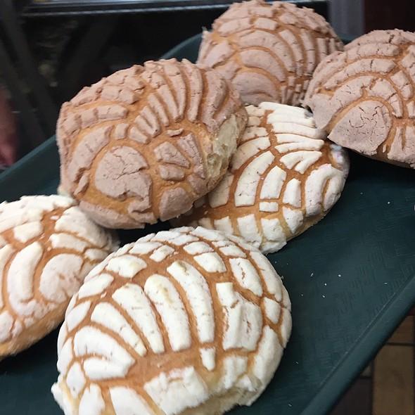 Conchas @ San Antonio Bakery