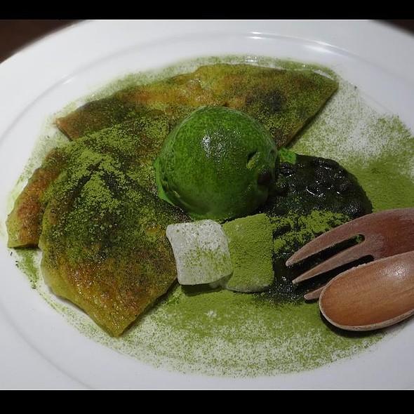 Hotteok with Matcha Ice Cream