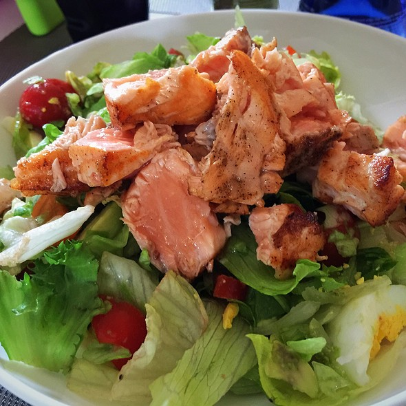 Salad With Salmon @ ./lsd Cooking Pot