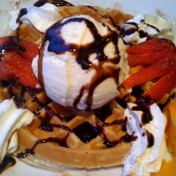 Waffles and Ice Cream @ Davisville Diner