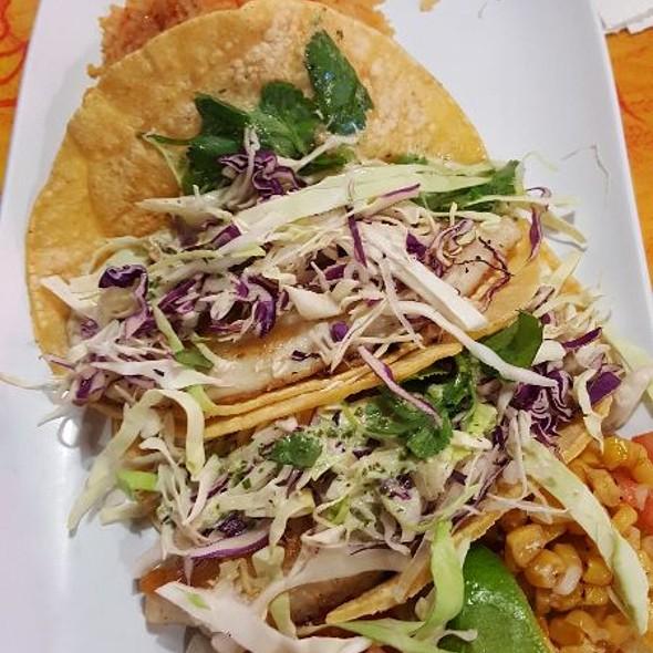 fish tacos @ Sams Boat